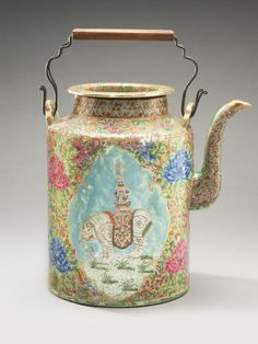 Teapot Artist/maker unknown, Chinese Qing Dynasty (1644-1911) 19th century