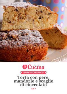 Torta con pere, mandorle e scaglie di cioccolato della nostra utente Giovanna. Unisciti alla nostra Community ed invia le tue ricette!