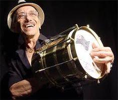 A cuíca é um instrumento de percussão, mas é descrito como um tambor de fricção. Ele também é conhecido como puita, boi, ou onca. A cuíca é tradicionalmente associada com o samba, mas também tem sido utilizada numa ampla variedade de estilos musicais