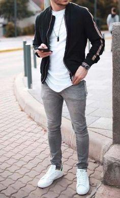 Tênis branco se tornou um calçado casual, que sempre prioriza o conforto e está sempre em alta, são modelos de tênis que deixa o visual mais despojado e ao mesmo tempo elegante. Trendy Mens Fashion, Stylish Mens Outfits, Casual Outfits, Men Casual, Men Fashion, Fashion 2020, Casual Shirts, Perfect Outfit, Style Masculin