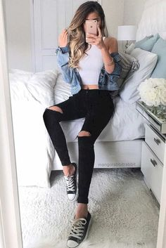 Stunning 32 Teen Outfit Ideas for School this Summer http://99outfit.com/index.php/2018/07/19/32-teen-outfit-ideas-for-school-this-summer/