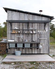 Villa Furillen, Gotland – M.Arkitektur Villa Furillen, Gotland – M. Outdoor Garden Sink, Outdoor Sinks, Outdoor Spaces, Outdoor Living, Simple Outdoor Kitchen, Summer Cabins, Summer Kitchen, Outdoor Cooking, Porch Decorating