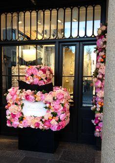 Dior Flowers, Flower Installation, Floral Wreath, Wreaths, Design, Home Decor, Floral Crown, Decoration Home, Door Wreaths