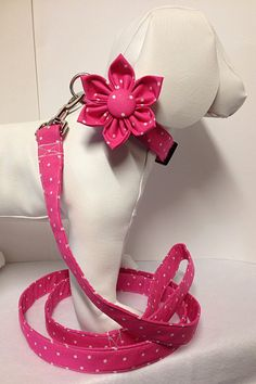 Dog Collar Set with Bow Tie or Flower Bow and by BeasUnique Dog Accesories, Cat Accessories, Wedding Accessories, Asian Dogs, Dog Training Bells, Dog Clothes Patterns, Small Puppies, Dog Bows, Girl And Dog