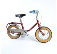 vintage styled kids bike, from Little Vintage Velo Vintage, Vintage Bicycles, Little Ones, Little Girls, Kids Bike, Bicycle Accessories, Kids Corner, Candyland, Tricycle