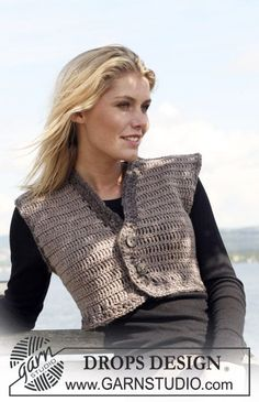 "Crochet DROPS waistcoat in ""Karisma"" with borders in ""Eskimo"". Yarn alternative ""Merino"" and ""Eskimo"". Size S - XXXL. Free pattern by DROPS Design."