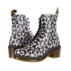 Стильные ботинки компании Dr. Martens Цена: 1009 грн #fashion #style #look #SUNDUK #sale #like #follow #girl #men #shop #amazing #hot #bestoftheday #shoues #DrMartens