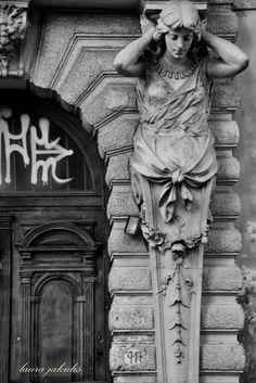 Atrapados por la imagen: Mujer de Piedra.