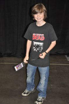 Chandler Riggs, want this shirt :) Chandler Riggs, Hottest Guy Ever, My Future Boyfriend, Carl Grimes, Young Actors, Fear The Walking Dead, Famous Men, Cute Boys, Hot Guys