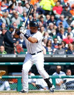 Miguel Cabrera's 2,000th hit was a 2-run home run in the 8th.  Tigers 10 - Orioles 3