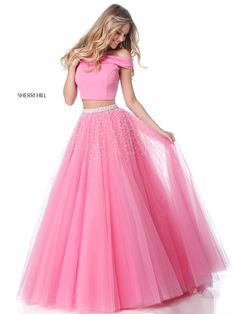 Sherri Hill dresses are designer gowns for television and film stars. Find out why her prom dresses and couture dresses are the choice of young Hollywood. Pink Prom Dresses, Pageant Dresses, 15 Dresses, Quinceanera Dresses, Pretty Dresses, Homecoming Dresses, Pink Dress, Short Dresses, Evening Dresses