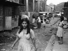 A street in the slum area of the hill town of Lares, Puerto Rico. Photo by Jack Delano Carmen Miranda, Old Photos, Vintage Photos, Latina, Puerto Rico Pictures, Puerto Rico History, Puerto Rican Culture, Slums, Puerto Ricans