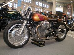 Garage Project Motorcycles — Definitely inspiration for a future Project. Guzzi Bobber, Moto Guzzi Motorcycles, Guzzi V7, Cars And Motorcycles, Alfa Alfa, Cb750, Motor Scooters, Motorcycle Outfit, Classic Bikes