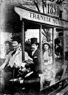 Bogota Antigua _Tranvía municipal de Bogota en 1898 Japan Spring, Spring Time, Good Times, Vintage Photos, Caribbean, Past, Antiques, World, Photography