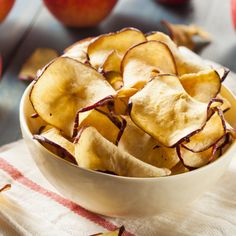 If you have a home dehydrator, it only takes a day or so to produce your own dried apples for snacking or baking. Fruit Recipes, Snack Recipes, Snacks, Apple Cut, Apple Pie Spice, Apple Varieties, Fried Apples, Apple Chips, Dehydrator Recipes