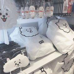 Korean Aesthetic, White Aesthetic, Aesthetic Photo, Aesthetic Bedroom, Bts Cute, Army Room, All Bts Members, Kpop Merch, Bts Chibi