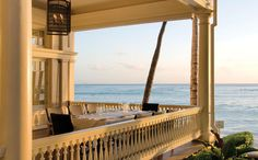 I ate at this table.....Moana Surfrider, A Westin Resort & Spa