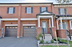 Townhouse, Garage Doors, Outdoor Decor, Home Decor, Terraced House, Interior Design, Home Interior Design, Home Decoration, Decoration Home