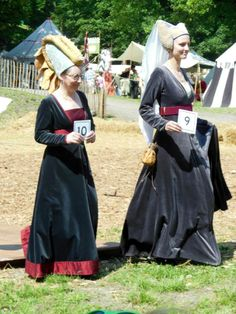 Dress competition 15th century