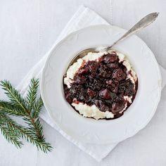 Glögimarinoidut viikunat ja luumut sopivat hyvin riisipuuron kanssa, mutta maistuvat hyvin myös rahkan, jogurtin tai tuorepuuron kanssa.