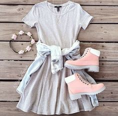Those boots are precious! The whole outfit is just wonderful