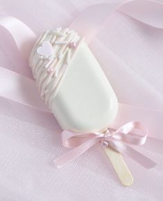 8 Sweet Ideas For Your Valentine's Day Baking - Love Catherine Chocolate Lollipops, Chocolate Covered Oreos, Chocolate Covered Strawberries, Strawberries And Cream, Chocolate Truffles, Melting Chocolate, Heart Shaped Chocolate Box, Chocolate Hearts, White Chocolate