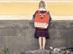 Let me present you the latest creature from Wild to Wear, the Fox Backpack. It is, as every item in this shop, handmade from our own design.  This is a sturdy backpack for children for school and...