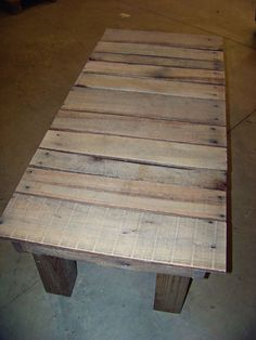LuluBelle's Couture: Reclaimed Wood - Pallet to Bench another DIY Wood Pallet Crafts, Wood Pallet Furniture, Pallet Art, Diy Pallet Projects, Wooden Pallets, Diy Craft Projects, Diy Furniture, Woodworking Projects, Pallet Benches