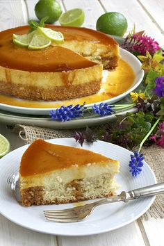 28 Filipino Recipes That Are Absolutely Worth Feasting On Leche flan is a favorite Filipino dessert — and this modern variation combines it with cheesecake for something extra-decadent. Easy Filipino Recipes, Filipino Desserts, Cuban Recipes, Cake Recipes, Dessert Recipes, Filipino Food, Filipino Dishes, Pinoy Food, Amish Recipes