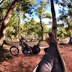 いいね!91件、コメント5件 ― walkerさん(@xwalkerx)のInstagramアカウント: 「The nice life. #sportster #chopper #zion #camping #hammock #harleydavidson #gpoy」