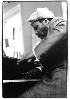 Thelonious Monk, Rhode Island School of Design, 1964 © Amalie R. Coleman Hawkins, Jazz Artists, Jazz Musicians, Jazz Blues, Blues Music, Art Blakey, Thelonious Monk, Jazz Funk, People Icon