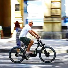 Zagreb ebike driving scene  45kmh - dual 750watt hub Motors  #Mentalmanno  bike @dred300 engineer from @ebike_eu ( zelena vozila d.o.o )  #EBIKE #greenbikes #igbikes #elektromobilität  #greenworld  #electricbicycle #offthegridliving #vintagemtb #electriccar #fahhrad #mntbiking #veloelectrique #goelectric #mountainbikesbr #electricvehicle #ebikes  #emtb #electricmtb #classicmtbs #classicbikes #greenbike  #electricdrive #vintageelectricbikes #miamibikelife #onelesscar #electricbicycles…