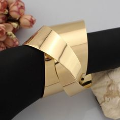 Unique Gold Plated Chunky Twisted Alloy Metal Geometric Shaped Wrap Bangle Cuff Statement Bracelet