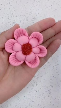 Cake Decorating Videos, Cake Decorating Techniques, Cute Polymer Clay, Polymer Clay Crafts, Fondant Flowers, Clay Flowers, Fondant Cake Tutorial, Creative Food Art, Pastry Design