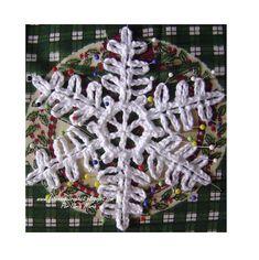 Karácsonyi csillag és hópelyhek fonalból (7) (638x640, 293Kb)