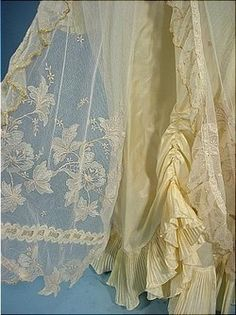 c. 1916 Butterfly Angelic Dressing Gown Robe. Detail