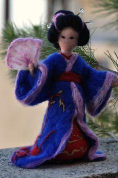 Dell'ago infeltrito Geisha bambola Waldorf. Su ordinazione