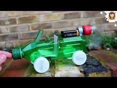 This is a how to make ( DIY ) video for kids. You can make a race car with ice cream sticks by watching this video. DIY videos for kids. Science Projects For Kids, Stem Projects, Science For Kids, School Projects, Activities For Kids, Electricity Projects For Kids, Recycling For Kids, Diy For Kids, Wie Macht Man