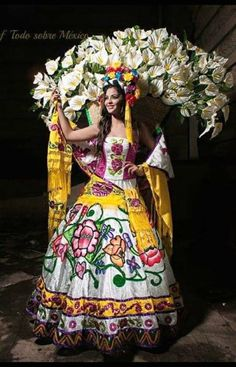 """A beautifully costumed performer of """"Folklor Mexicano"""" Mexican Fashion, Mexican Style, Traditional Mexican Dress, Traditional Dresses, Mexican Costume, Mexican Heritage, Mexican Folklore, Mexico Art, No Bad Days"""