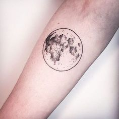 20 Superb Moon Tattoos You Immediately Fall in Love with | InkDoneRight.  Look into even more at the picture