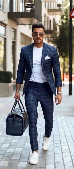 58 Stylish Business Casual Outfit for Men in Fall - Beautifus Source by pryscyladeolive business casual outfits Mens Casual Suits, Stylish Mens Outfits, Mens Fashion Suits, Men's Suits, Men's Casual Outfits, Men Casual Styles, Mens Suits Style, Casual Wear, Casual Shoes