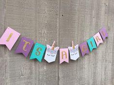 Baby shower, it's a girl banner, girl baby shower, unicorn shower, uni Unicorn Baby Shower Decorations, Baby Shower Party Favors, Boy Baby Shower Themes, Baby Shower Printables, Baby Shower Cakes, Baby Boy Shower, Babyshower, Baby Showers Juegos, Its A Girl Banner