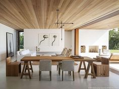 Wood ceiling en gietvloer