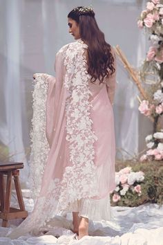 Pink organza chaddar with fully embroidered borders. Stylish Dresses For Girls, Stylish Dress Designs, Designs For Dresses, Dress Neck Designs, Simple Pakistani Dresses, Pakistani Dress Design, Pakistani Outfits, Pakistani Clothing, Pakistani Couture