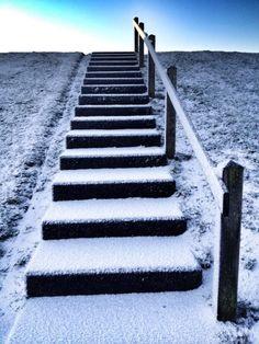 Wad dijk trap in de sneeuw 2015