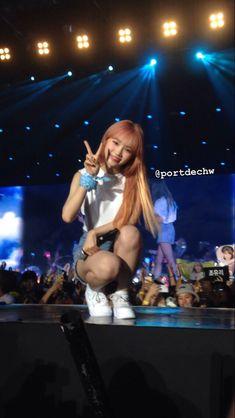 The Wiz, Kpop Girls, Korean Girl, Concerts, Sunshine, Babies, Sweet, Backgrounds, Gaming