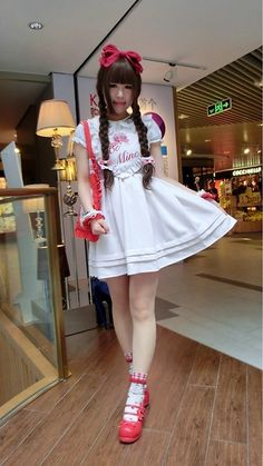 Melva Yan - Ank Rouge Be Mine, Ank Rouge Be My Baby, Angelic Pretty Red Ribbon, Angelic Pretty Red & Pink, Sanrio Charmmykitty - Be Mine