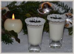 500 ml mléka 250 ml smetany 200 g kokosu (strouhaný sušený kokos) 200 g krupicového cukru – vaříme asi 15 minut a rozmixujeme co nejvíc to jde. Po vychlazení přidáme 1 salko a ½ l bílého rumu a necháme 24 … Celý příspěvek → Cocktail Drinks, Cocktails, Toffee Bars, Thing 1, Glass Of Milk, Smoothies, Panna Cotta, Diy And Crafts, Beverages