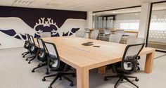 Sala de reuniões nos escritórios da Brown Forman em Paris, França