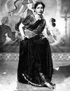 The beautiful Meena Kumari in 'Azaad' Jaisalmer, Udaipur, Monsoon Wedding, Asian Photography, Vintage Vignettes, Vintage Bollywood, Cinema Actress, Fancy Sarees, Mahatma Gandhi